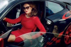 caitlyn-jenner-red-dress-060115